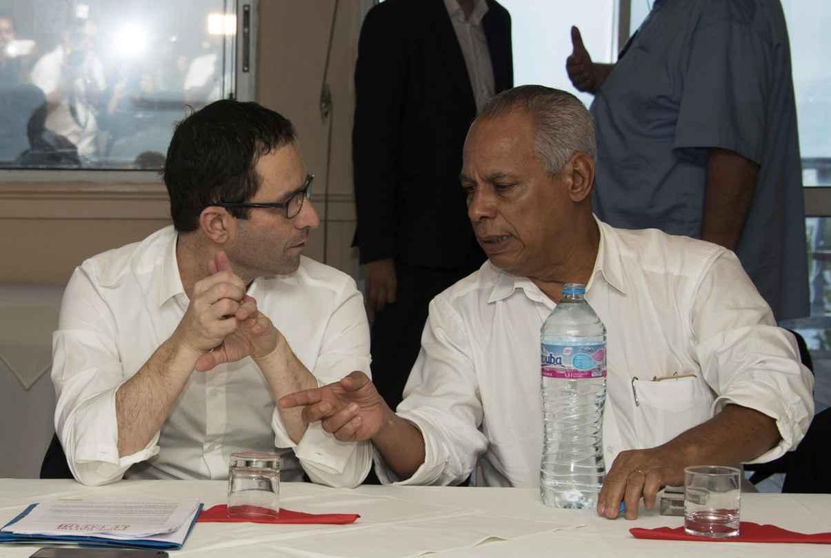 L'hommage à Hollande, passage obligé pour le candidat PS — Hamon en Guadeloupe