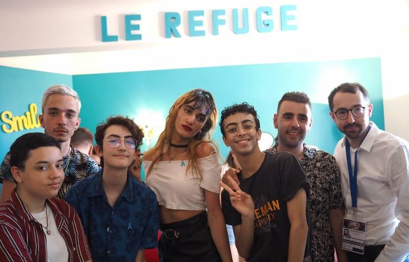 VIDEO. Nice: «Si les esprits s'ouvrent, c'est grâce à toi»... Le chanteur Bilal Hassani rend visite à des jeunes du Refuge