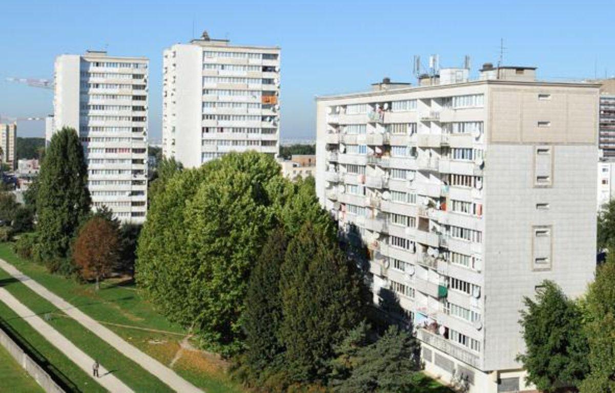 Des immeubles d'habitation de Clichy-sous-Bois, le 11 octobre 2010. – AFP PHOTO BERTRAND GUAY