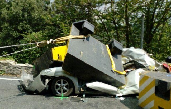 Mercredi 22 août, un poids lourd a perdu son chargement de blocs de béton à Taussac-la-Billière (Hérault). Ils sont tombés sur une voiture, et ont tué la conductrice sur le coup.