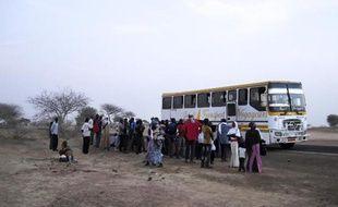 Des personnes fuyant les violences de Boko Haram, près de la frontière entre le Niger et le Nigeria, le 13 février 2014