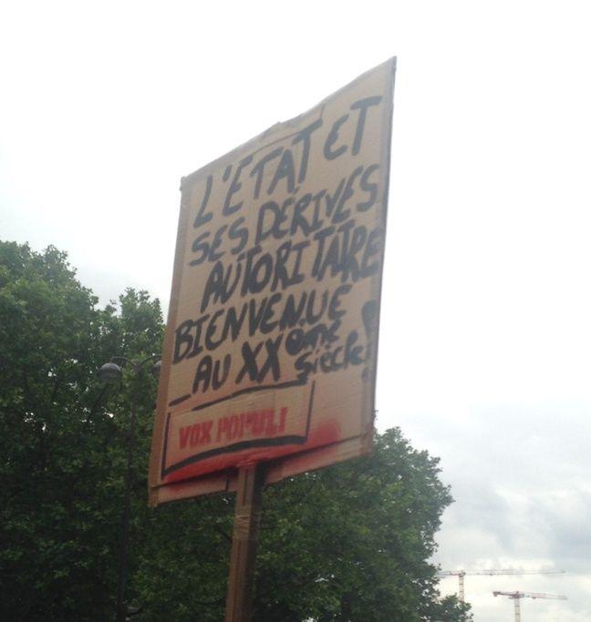 une pancarte brandie pendant la manifestation du 28 juin 2016, à Paris.