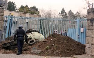 Le portail commun au conseil général et à la préfecture d'Ille-et-Vilaine a été détérioré lors de la manifestation des agriculteurs le 17 février 2016 à Rennes.