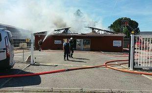 Le funérarium de Saint-Alban, en Haute-Garonne, ravagé par un incendie le 16 mai 2017.
