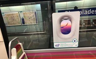 Grâce à un habile sticker, la RATP transforme une rame de métro en avion (mais pas en Boeing 737 MAX).