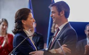 Agnès Buzyn a laissé les clefs du ministère de la Santé à Olivier Véran lundi 17 janvier 2020.