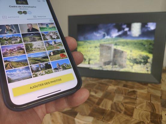 L'application Aura permet de prendre la main sur le cadre à distance.