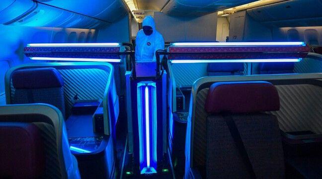 Coronavirus: Des robots UV pour éradiquer les virus dans les avions