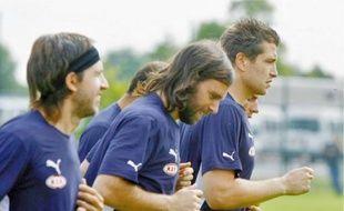 Cédric Carrasso (à droite) remplacera Ulrich Ramé dans les cages bordelaises.