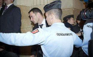 Jérôme Kerviel arrive à la salle d'audience de la cour d'appel du TGI de Paris, le 24 octobre 2012.