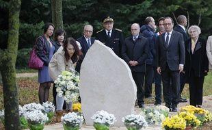 Lors de la cérémonie d'hommage du Président de la République à Abel Chennouf, en présence de ses proches.
