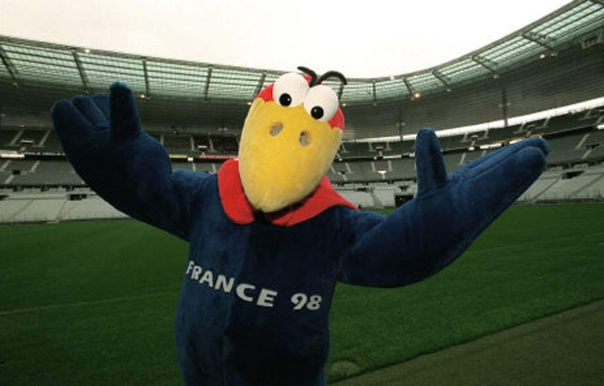 Footix, la mascotte de la Coupe du monde 1998, en avril 1998, au Stade de France. –  THOMAS JEAN-PAUL/SIPA