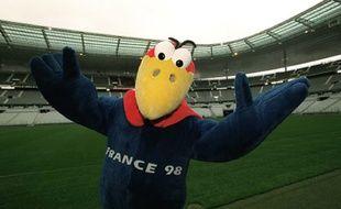 Footix, la mascotte de la Coupe du monde 1998, en avril 1998, au Stade de France.