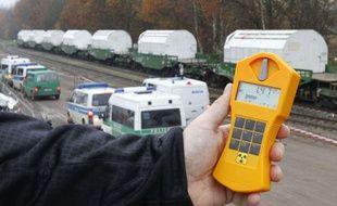 Mesures de radioactivité en Allemagne pendant le passage d'un convoi de déchets nucléaires, en novembre 2010.