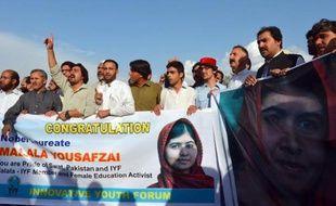 Des soutiens à Malala après son Prix Nobel de la Paix, le 11 octobre 2014 à Mingora au Pakistan