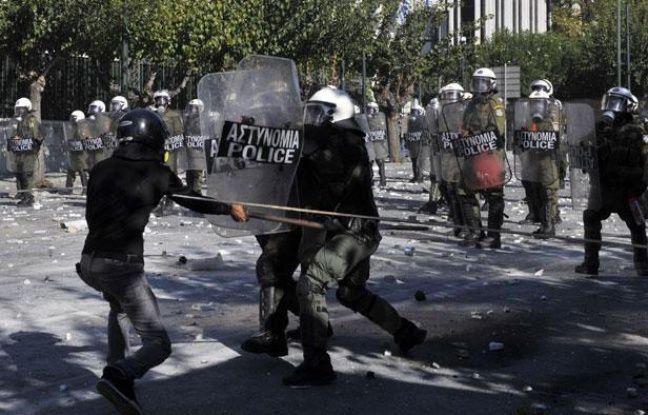 Affrontements entre manifestants et policiers le 19 ocotbre 2011 à Athènes.