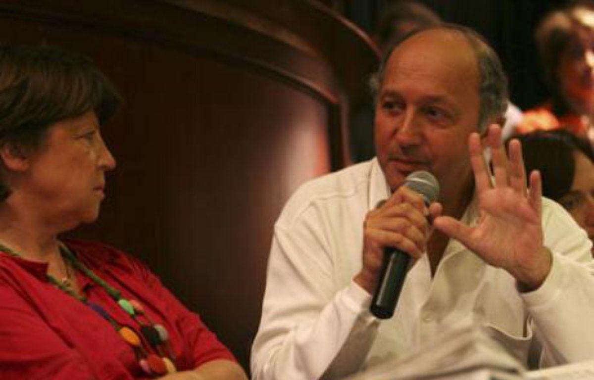 Martine Aubry et Laurent Fabius, à La Rochelle le 30 août 2008 durant l'université d'été du Parti socialiste.  – REUTERS/Stephane Mahe