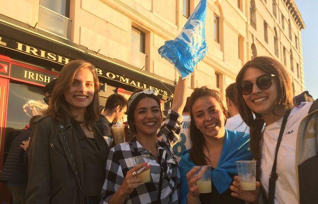 Eloise, Sarah, Arlette et Margaux, supportrices de l'OM.