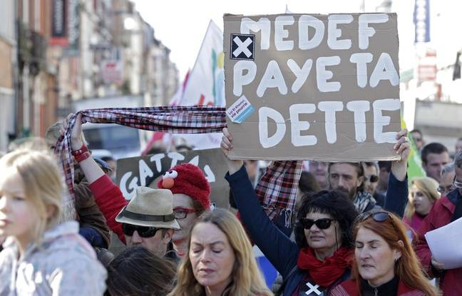 Un millier de personnes à Lille pour la manif du 1er mai.