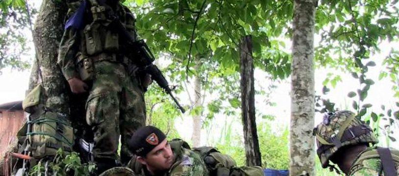 Image extraite du reportage de Roméo Langlois, sur sa captivité chez les Farc en Colombie.