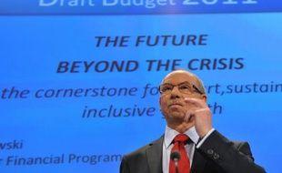 L'Union européenne tente lundi de boucler son budget 2011 lors de négociations de la dernière chance dont l'enjeu est moins financier que politique, avec une lutte de pouvoir entre institutions sur le contrôle des dépenses et des recettes.