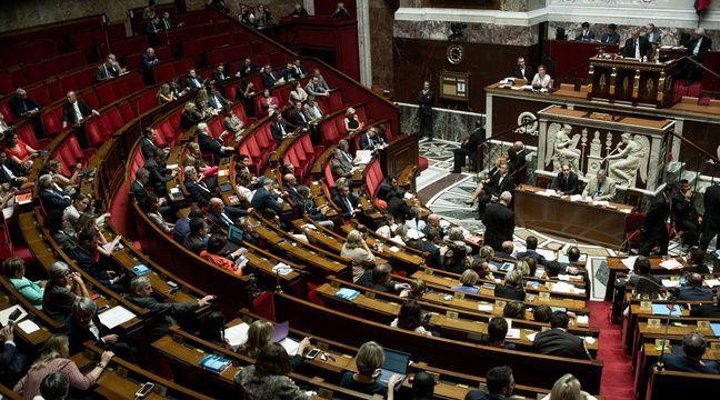 Prix du carburant: L'Assemblée nationale valide le gel des taxes jusqu'en 2022