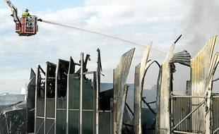 Le 2 novembre, l'incendie de l'incinérateur de Fos-sur-Mer qui a duré deux jours, a détruit le centre de tri.