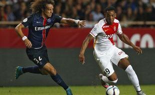 Anthony Martial au duel avec David Luiz lors de Monaco-PSG le 30 août 2015.