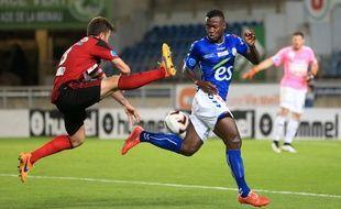 Après six années de National, de CFA et de CFA2, Stéphane Bahoken et le Racing club de Strasbourg peuvent monter en Ligue 2, ce vendredi, sous conditions. (Archives)