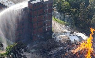 Un incendie dans un entrepôt de Jim Beam, dans le Kentucky, a détruit 45.000 fûts de 200 litres, le 2 juillet 2019.