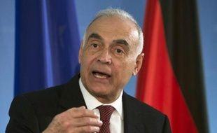Le ministre des Affaires étrangères, Mohammed Kamel Amr, a annoncé son départ, rejoignant quatre autres ministres, dont celui du Tourisme, démissionnaires depuis la veille.