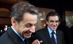 Nicolas Sarkozy et François Fillon seraient les meilleurs candidats pour représenter l'UMP à l'élection présidentielle en 2017 pour les sympathisants de ce parti, selon un sondage CSA pour BFMTV publié jeudi.