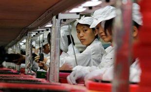 Des lycéennes accusent d'avoir été exploitées 11 heures par jour pour produire l'Iphone X dans une usine de Foxconn en Chine (illustration).