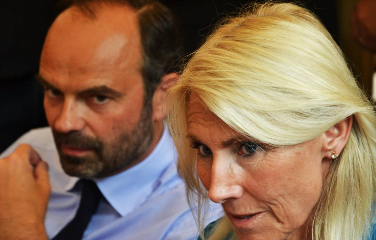 Edouard Philippe, et Marie Sara, jeudi. – N. Bonzom / Maxele Presse