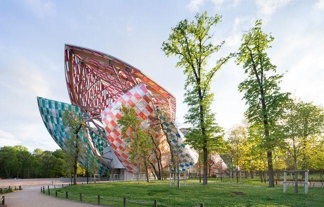 Daniel Buren réinvente l'architecture de la fondation Louis Vuitton