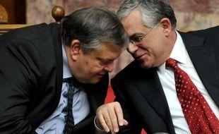 Le nouveau gouvernement grec, fort d'un large vote de confiance obtenu mercredi soir au parlement, a aussitôt entamé des discussions avec les banques du monde entier pour effacer une partie de la dette du pays en application du nouveau plan du sauvetage de la Grèce décidée fin octobre à Bruxelles.