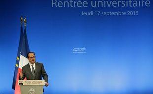 François Hollande à l'université de Saclay Paris-Sud(Orsay) 17 septembre 2015. AFP PHOTO POOL/JACKY NAEGELEN