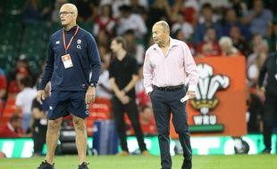 John Mitchell (à gauche) et Eddie Jones, ici en août 2019 lors d'un test match entre l'Angleterre et le pays de Galles.