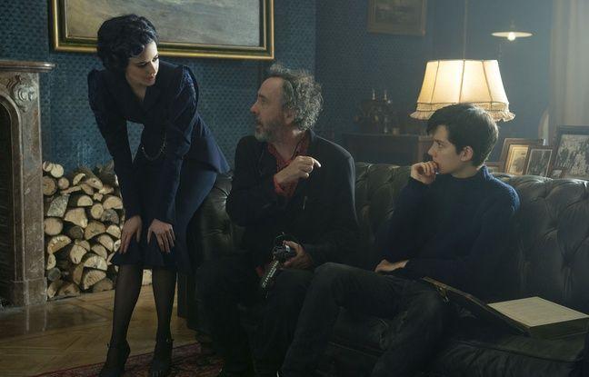Eva Green, Tim Burton et Asa Butterfield dans Miss Peregrine et les enfants particuliers de Tim Burton