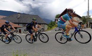 Christopher Froome, Alejandro Valverde et Vincenzo Nibali (de gauche à droite) ont entamé le Critérium du Dauphiné dimanche entre Ugine et Albertville.