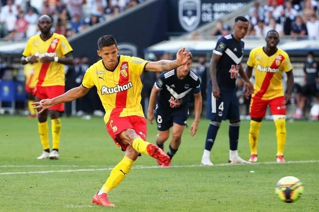 Florian Sotoca a inscrit le penalty de la victoire à Bordeaux.