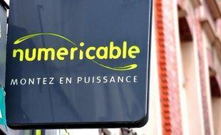 Le câblo-opérateur Numericable a passé un accord avec SFR pour proposer la téléphonie 4G à ses clients mobiles à partir du premier trimestre 2014, a-t-on appris de sources proches du dossier.