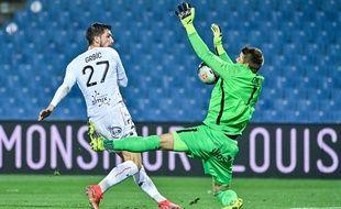 Jonas Omlin a souvent été décisif contre Lorient mais s'est incliné sur penalty.