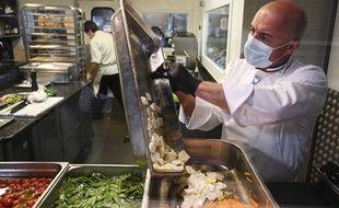 Tous les personnels devront porter un masque, en salle comme en cuisine