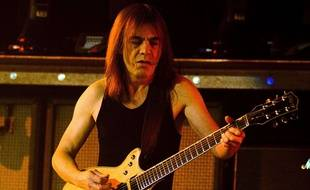 Malcolm Young en concert à Chicago, le 30 octobre 2008.