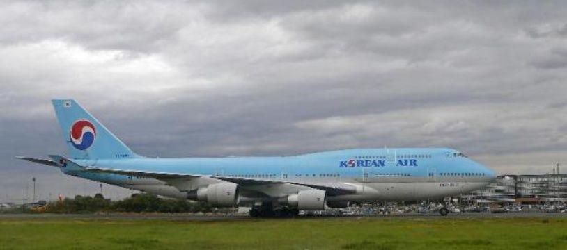 Korean Air a signé un protocole d'accord portant sur l'acquisition de onze long-courriers de Boeing, d'une valeur totale de 3,6 milliards de dollars au prix catalogue, a annoncé mardi l'avionneur américain.