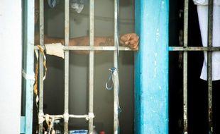 Jean-Jacques Urvoas, le ministre de la Justice, doit présenter un plan sur l'encellulement individuel en prison.
