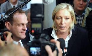 """La vice-présidente du Front national, Marine Le Pen, a estimé mardi que Nicolas Sarkozy était allé """"exactement à l'inverse de ce qu'attendaient ses électeurs"""" pendant sa première année de mandat."""
