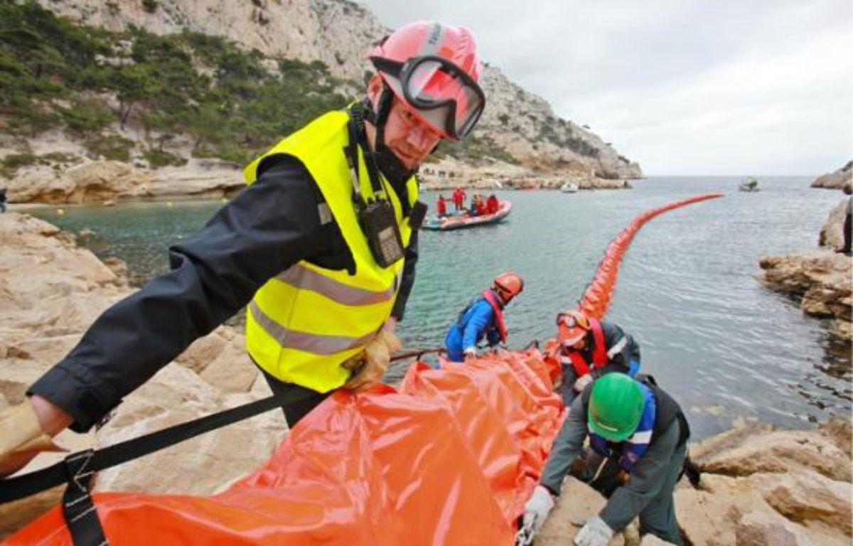 Une trentaine de pompiers, dont une dizaine de formateurs, ont participé à l'exercice de Morgiou. –  Thibaut Claisse / BMPM
