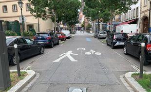 Borne à l'entrée de la rue des Recollets à Strasbourg, à l'entrée de la Grande Ile,